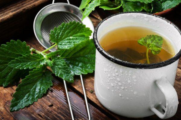 Mint and honey tea