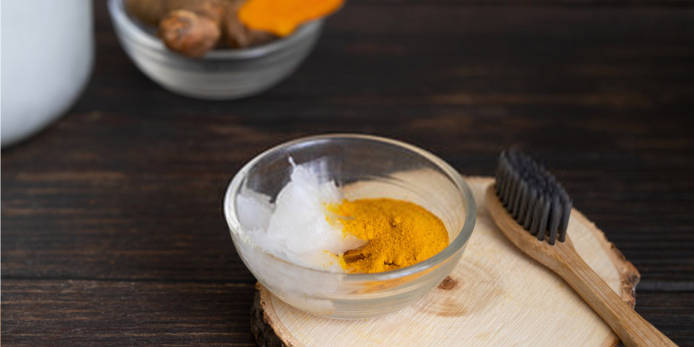 Turmeric with coconut oil for hemorrhoids