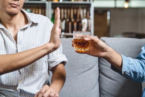 man saying no to alcohol