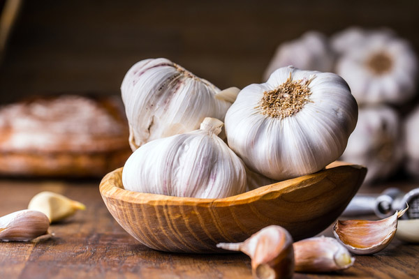 garlic as a remedy for a genital warts